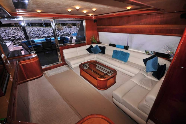 80-FT-Ferretti-Power-Yacht-Up-to-30-People-AC-Salon-Reception-with-Entertainment-Center