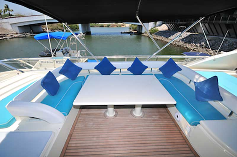 80-FT-Ferretti-Power-Yacht-Up-to-30-People-Main-U-shaped-Seating-Area