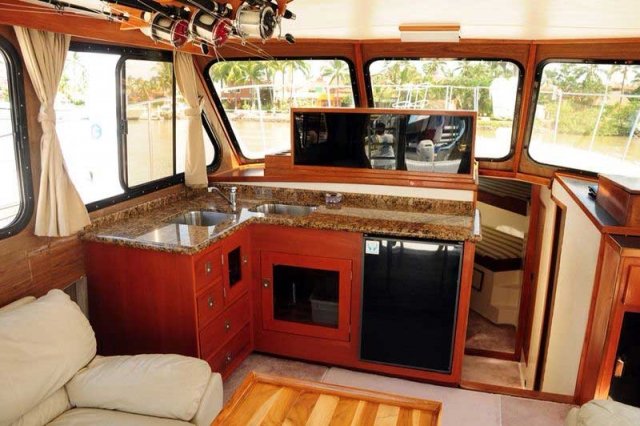 44-FT-Pacifica-Fishing-Yacht-Small-Galley-integrated-to-the-Salon