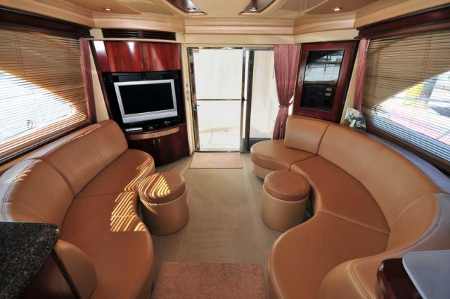 60 ft. Sea Ray - Luxury Power Yacht - Air-Conditioned--full-Entertainment-Salon-Reception