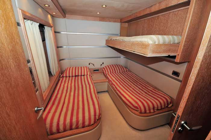 Azimut-98FT-Leonardo-Twin-Guest-Stateroom-with-bunks