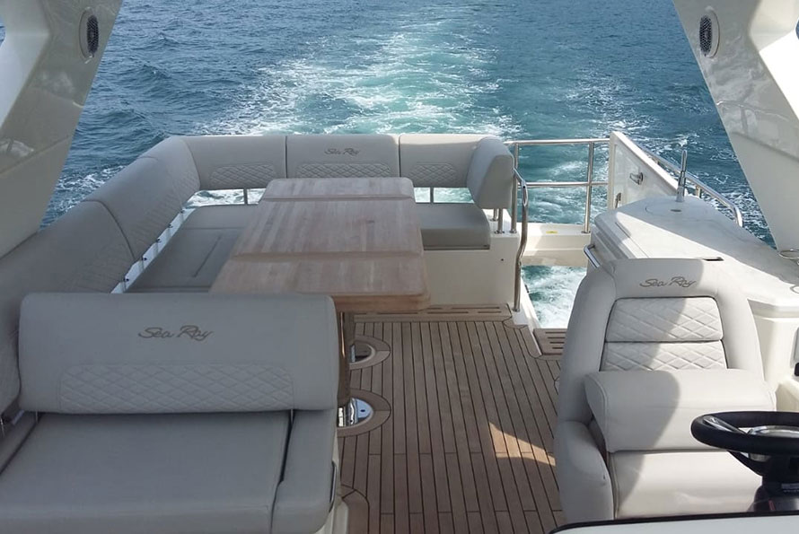 55-ft.-Sea-Ray---Luxury-Power-Yacht---right-Image
