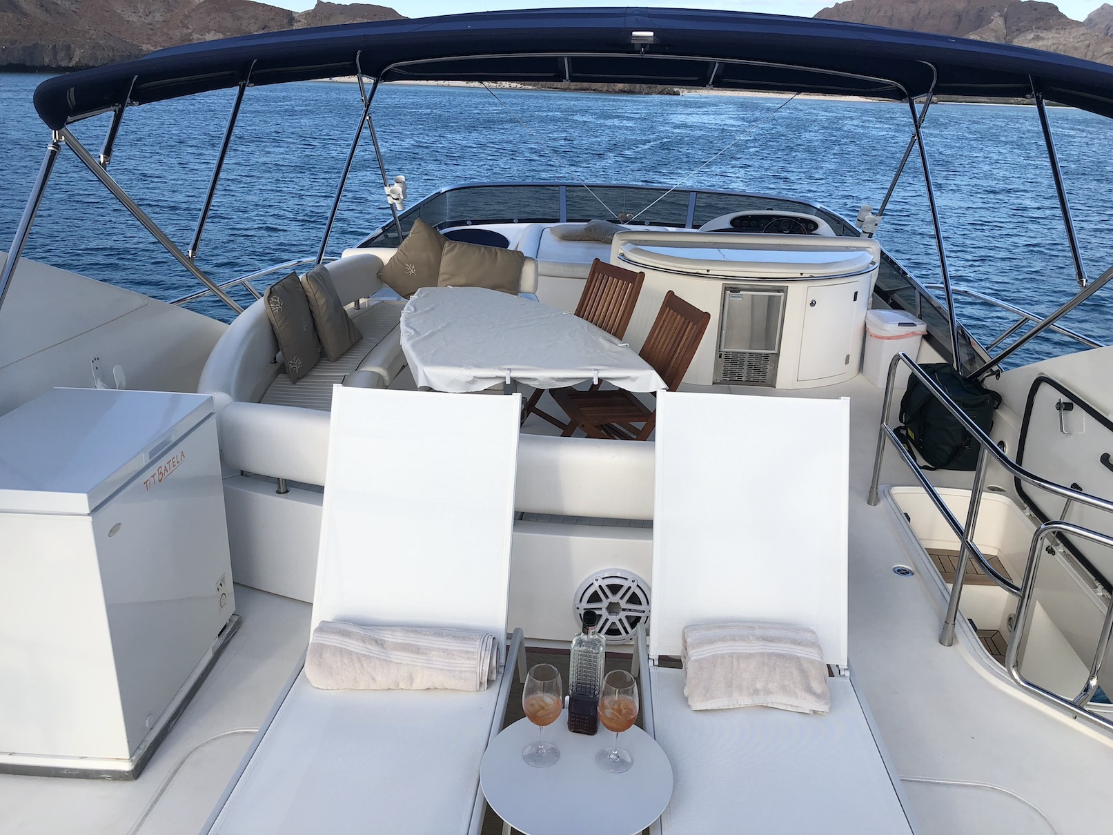 Sunseeker de 76 pies – Yate a Motor - Flybridge & chaises